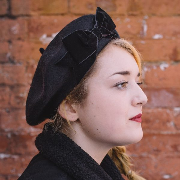 Black Beret Black Velvet Ribbon Bow side