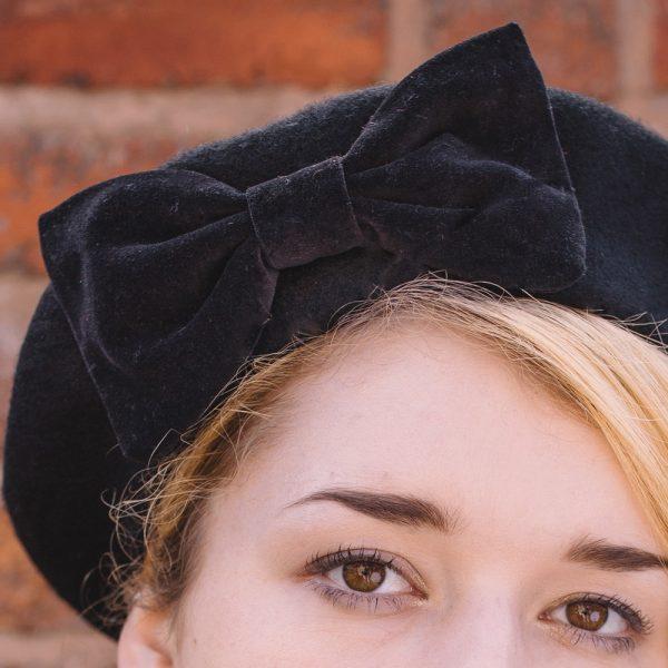Black Beret Black Velvet Bow-detail