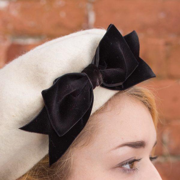 Ivory Beret Black Velvet Ribbon Bow detail2