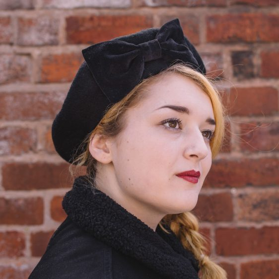Black Beret Black Velvet Bow-side