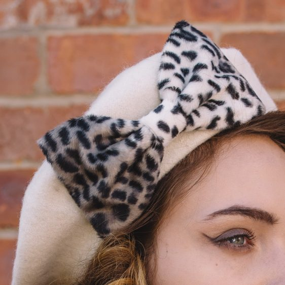 Ivory Beret Grey Leopard Fake Fur Bow detail2