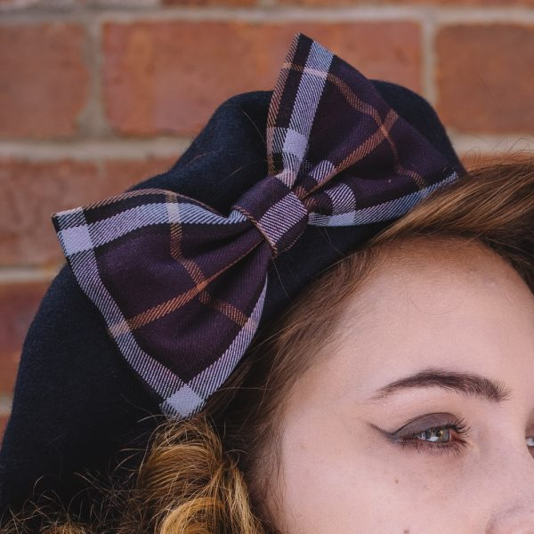 Navy Beret Purple-Lilac Tartan Bow detail2
