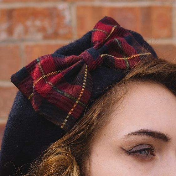 Navy Beret Wine-Navy Tartan Bow detail2
