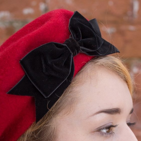 Red Beret Black Velvet Ribbon Bow detail2