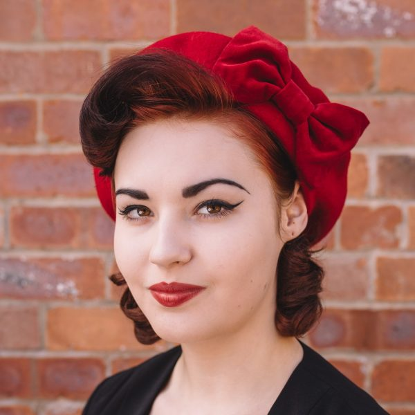Red beret with red velvet bow angle