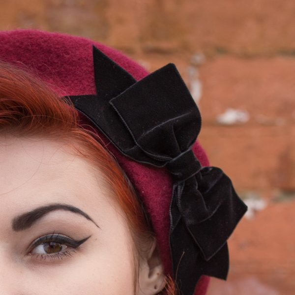 Wine_Beret_Black_Velvet_Ribbon_Bow-detail
