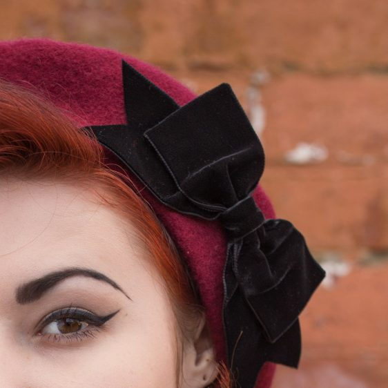 Wine Red Beret Black Velvet Ribbon Bow detail2