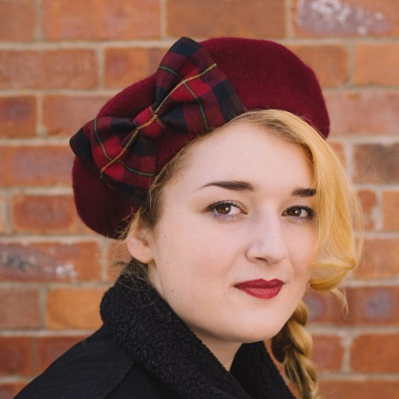 Wine Red Beret Wine-Navy Tartan Bow angle