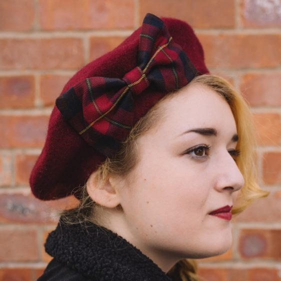 Wine Red Beret Wine-Navy Tartan Bow side