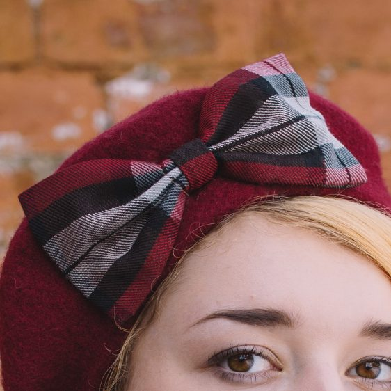 Wine Red Beret Wine-Black Tartan Bow detail