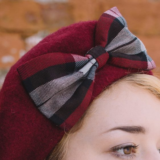 Wine Red Beret Wine-Black Tartan Bow detail2