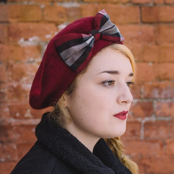 Wine Red Beret Wine-Black Tartan Bow side