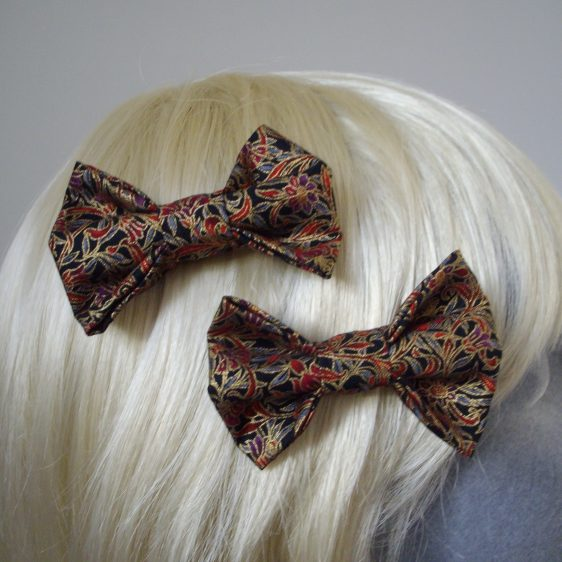 Black Gold Christmas Floral Bow Hair Clip detail