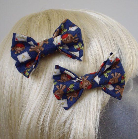 Blue Christmas Robin Bow Hair Clip detail