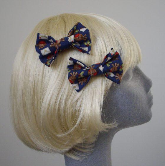 Blue Christmas Robin Bow Hair Clip side