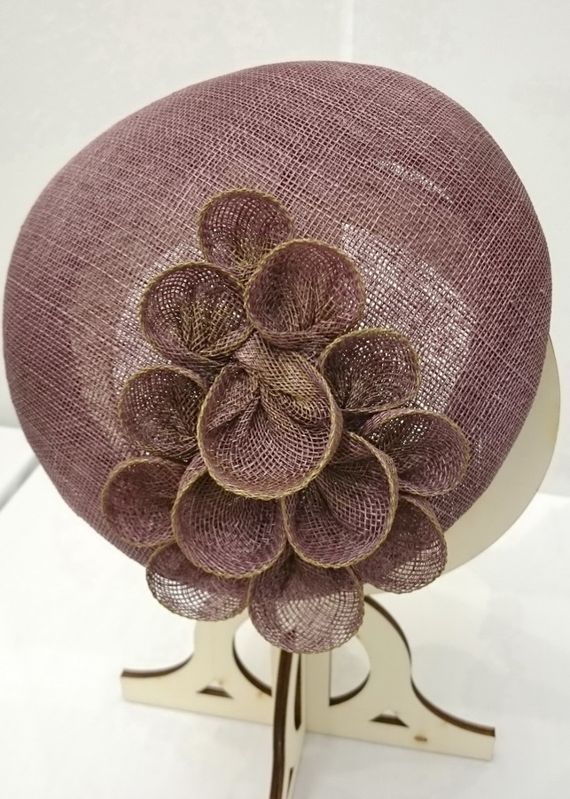 Taupe Sinamay Sloped Beret detail of decoration
