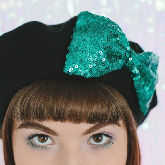 Black Beret Emerald Sequin Bow detail