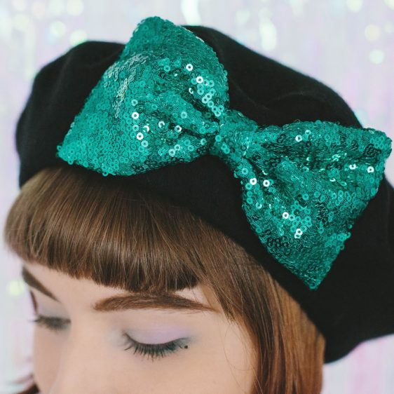 Black Beret Emerald Sequin Bow detail 2