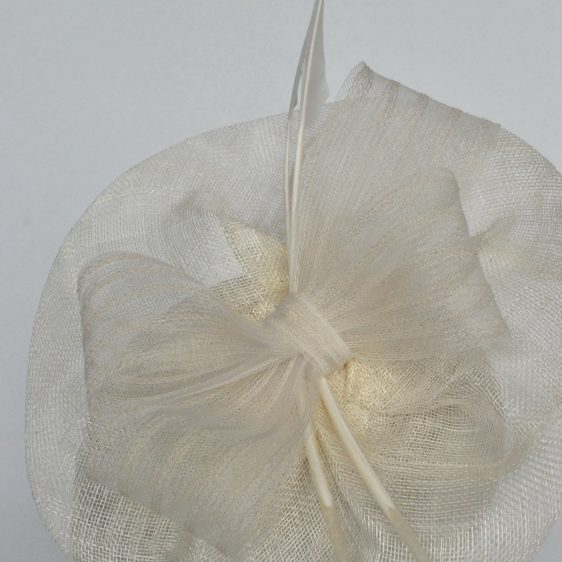 Ivory Sinamay Saucer Fascinator with Arrow Feathers and Crinoline - detail 3