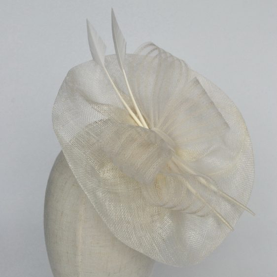 Ivory Sinamay Saucer Fascinator with Arrow Feathers and Crinoline - detail