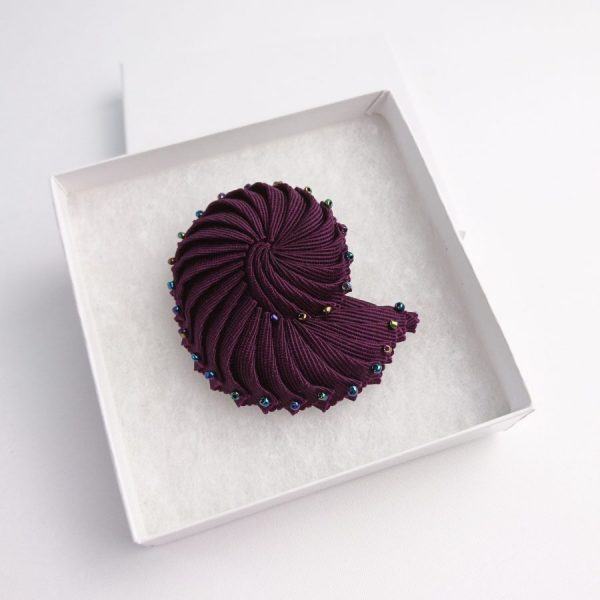 Ribbon Shell Brooch with beads in a gift box