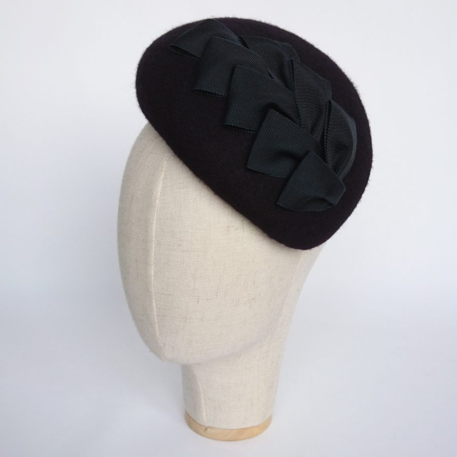 Navy Felt Sloped Beret with Ribbon Loops angle