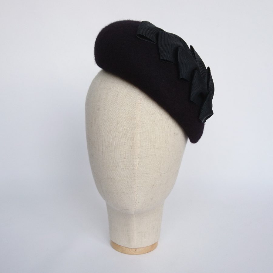 Navy Felt Sloped Beret with Ribbon Loops front