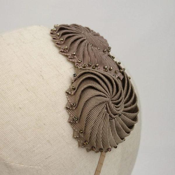 Pleated ribbonwork headband using traditional millinery technique