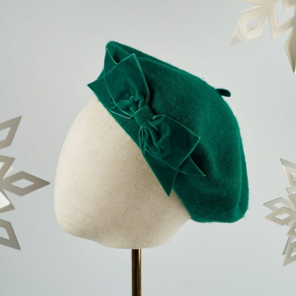 Green Wool Beret with a Bow by Imogen's Imagination