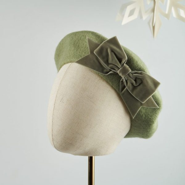 Green Wool Felt Beret with a Bow by Imogen's Imagination
