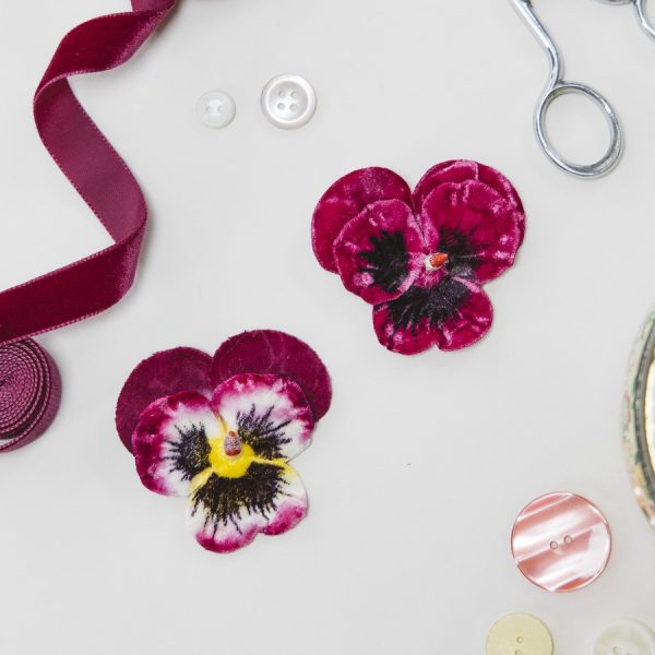 Magenta and Fuchsia Large Pansy Flower Gift Set hair clips
